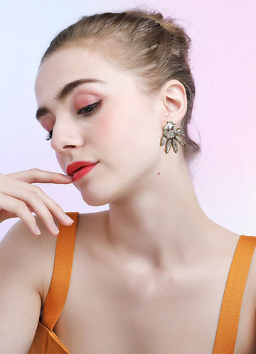 front_Cluster Statement Earrings