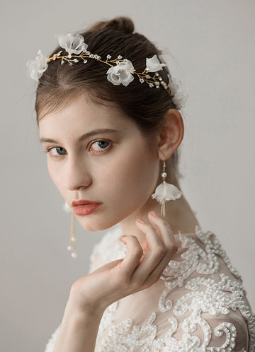front_Soft Tulle Headband And Earrings Set