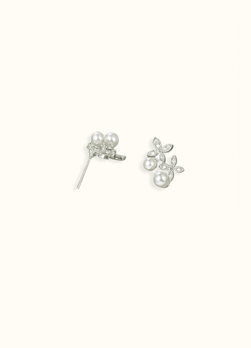 back_Daisy Pearl Earrings
