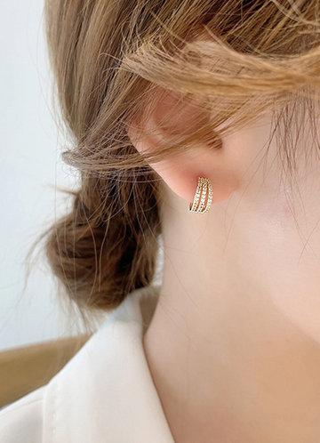 front_Cuff Earrings