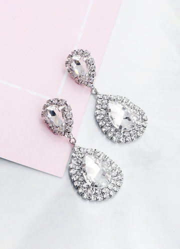 front_Glamour Drop Earrings