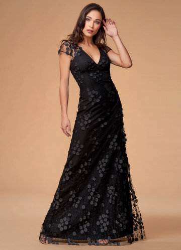 En Vogue Black Maxi Dress