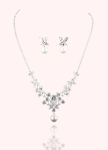 front_Pure Elegance Jewelry Set