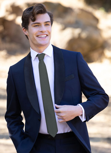 front_Gentlemen's Collection Suiting Style Skinny Tie