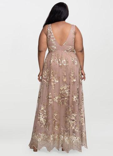 back_Blush Mark Romantic Adventure {Color} Embroidery Maxi Dress