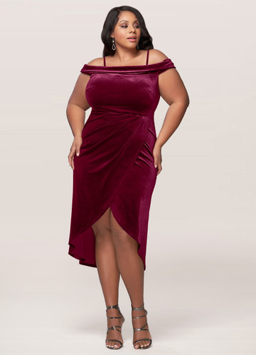 front_Blush Mark Plus Size Sweet Desire Velvet Midi Dress