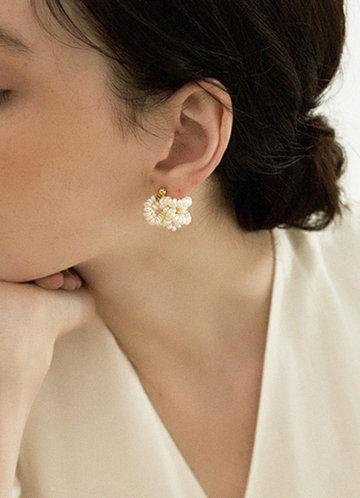 front_Pearl Knot Earrings