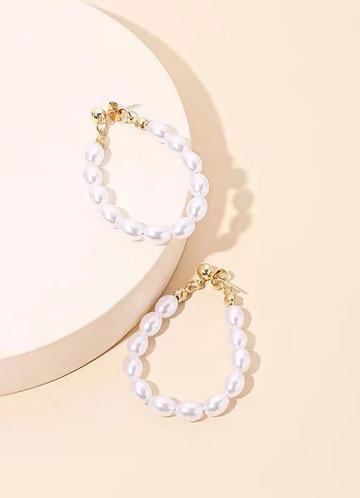 front_Baroque Pearl Hoop Earrings