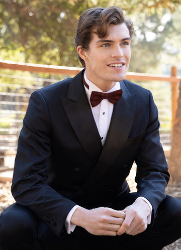 front_Gentlemen's Collection Suiting Style Pre-Tied Bow Tie