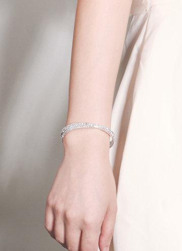 front_Crisscross Bracelet