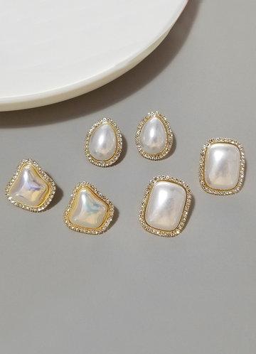 back_Pearl of the Sea Earrings