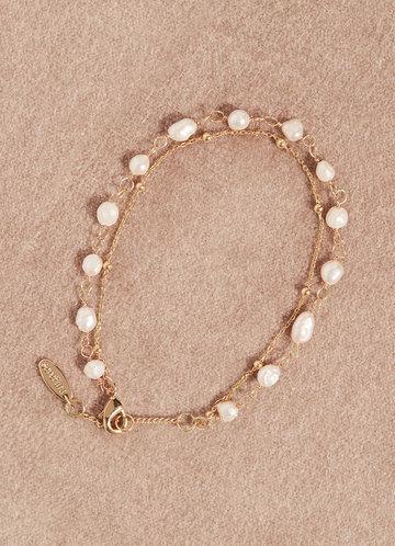 front_Dainty Pearl Bracelt