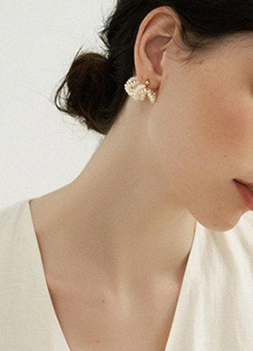 back_Pearl Knot Earrings