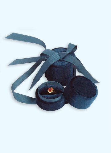 front_Dainty Ring Box
