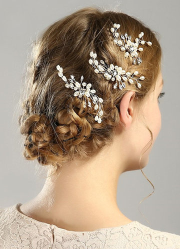 front_Exquisite pearl hairpins